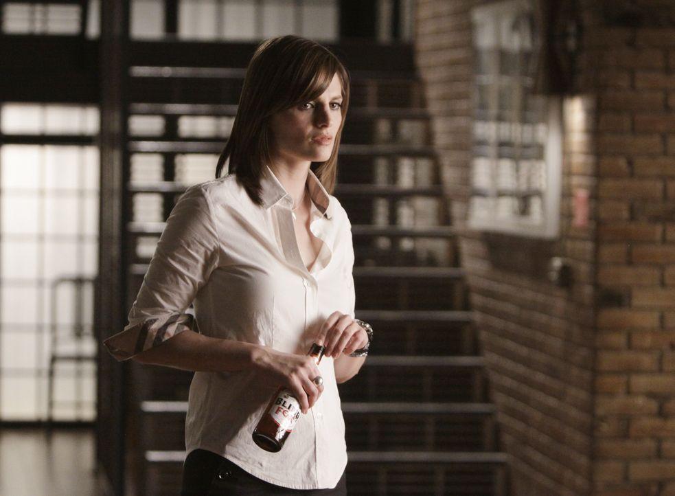 Castle lädt Beckett (Stana Katic) ein, ein gemeinsames Wochenende in den Hamptons zu verbringen. Was wird sie tun? - Bildquelle: ABC Studios