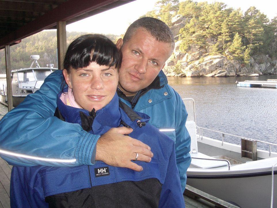 Jeanette und Torsten Sperlich blicken in eine strahlende Zukunft - im September erst haben der 38-jährige Maler und die 25-jährige Gärtnerin gehe... - Bildquelle: kabel eins