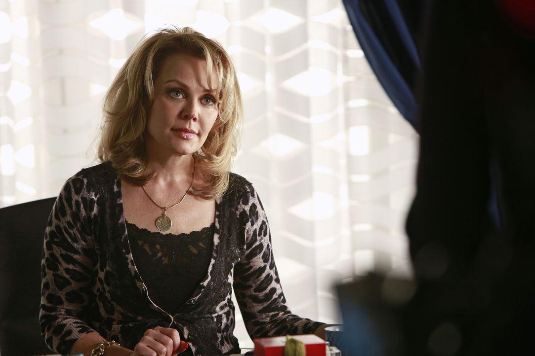 "Das NYPD ermittelt am Set der Reality-Show ""The Wives of Wall Street"". Hat Margo Gower (Gail O'Grady), eine der Protagonistinnen, etwas mit dem Mord... - Bildquelle: 2013 American Broadcasting Companies, Inc. All rights reserved."