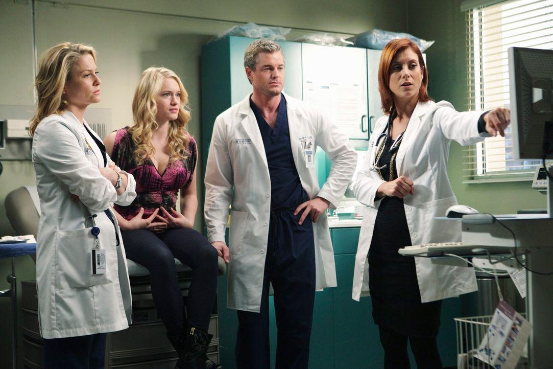 Addison (Kate Walsh, r.) teilt Arizona (Jessica Capshaw, l.), Mark (Eric Dane, 2.v.r.) und Sloan (Leven Rambin, 2.v.l.) die möglichen Behandlungsmet... - Bildquelle: Touchstone Television