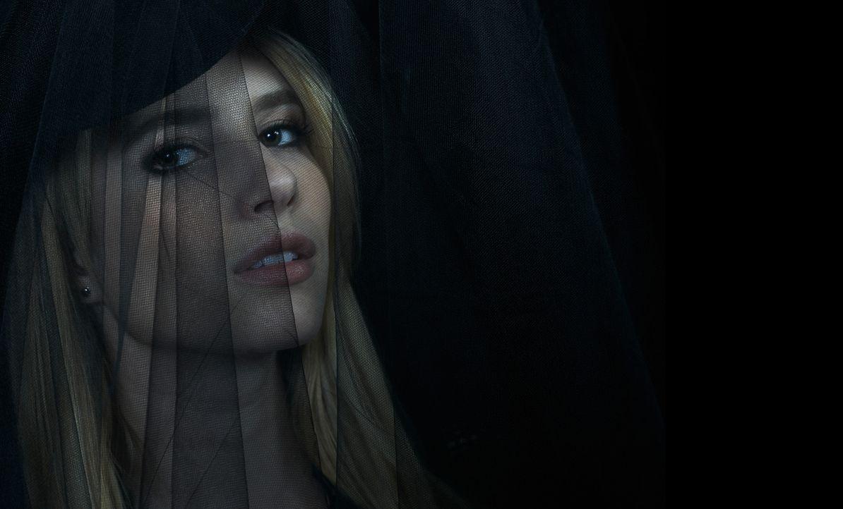 (3. Staffel) - Im Zirkel der Hexen kann Madison Montgomery (Emma Roberts) ihre Macht schnell ausbauen. Wird ihr genau das zum Verhängnis? - Bildquelle: 2013-2014 Fox and its related entities. All rights reserved.