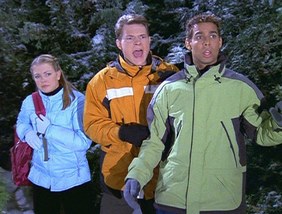 (v.l.n.r.) Sabrina (Melissa Joan Hart), Harvey (Nate Richert) und Brad (Jon Huertas) stoßen auf ihrer Fahrt ins Wochenende auf einige Hindernisse ... - Bildquelle: Paramount Pictures