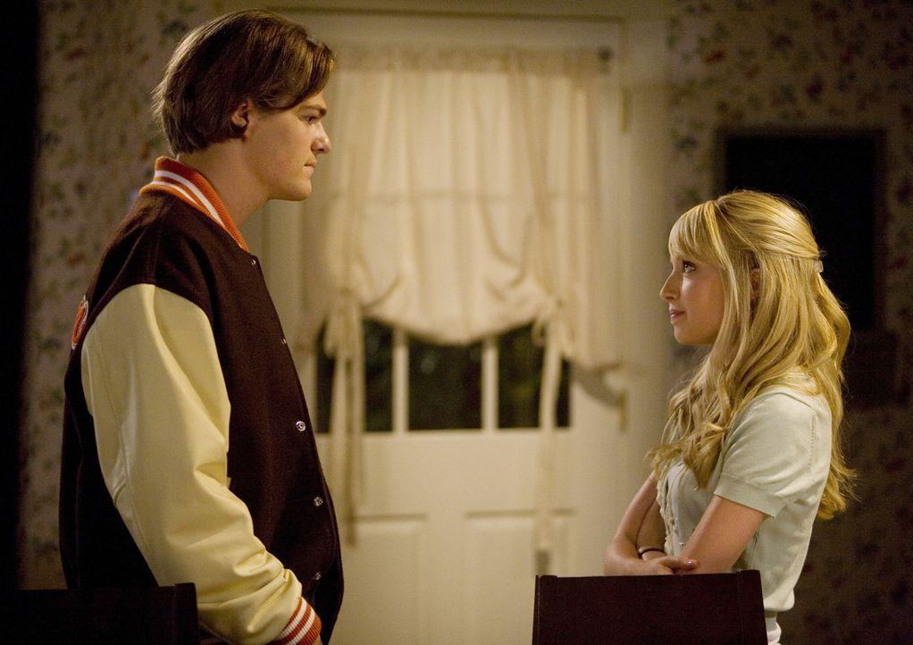 Jacks (Greg Finley, l.) Plan Grace (Megan Park, r.) eifersüchtig zu machen ist komplett in die Hose gegangen... - Bildquelle: ABC Family