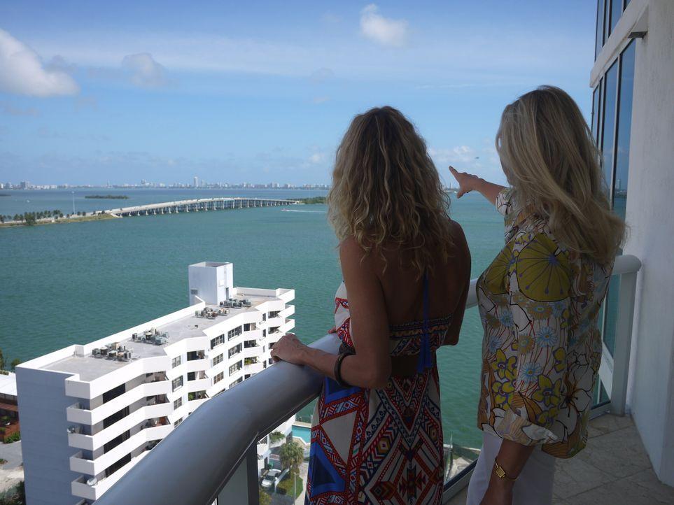 Meerblick, Sonne und ständiges Urlaubsgefühl. Nachdem Tania (l.) schon beinahe überall auf der Welt gelebt hat, landet sie jetzt in Miami und sucht... - Bildquelle: 2014, HGTV/Scripps Networks, LLC. All Rights Reserved.