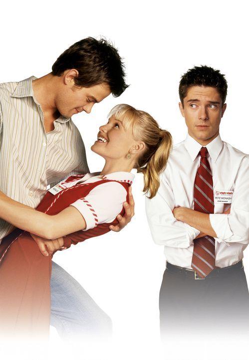 Jede Liebesgeschichte hat nur Platz für eine männliche Hauptrolle: Rosalee Futch (Kate Bosworth, M.), Tad Hamilton (Josh Duhamel, l.) und Pete Monas... - Bildquelle: 2004 DreamWorks LLC. All Rights Reserved.