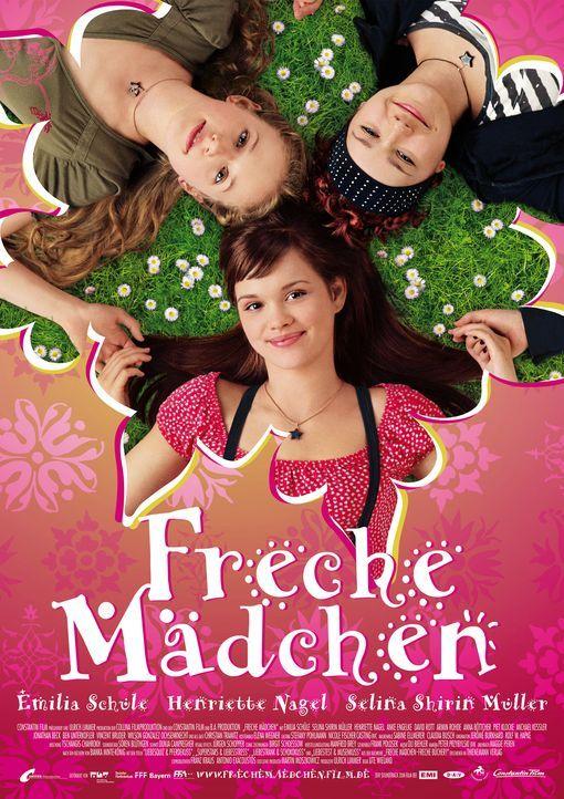 Freche Mädchen: Mila (Emilia Schüle, M.), Hannah (Selina Shirin Müller, r.) und Kati (Henriette Nagel, l.) ... - Bildquelle: Constantin Film