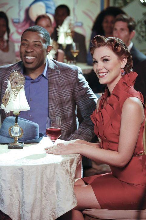 Kann Annabeth (Kaitlyn Black, r.) ihren Freund Lavon (Cress Williams, l.) davon überzeugen, dass er für seine Grundsätze kämpfen muss? - Bildquelle: Warner Brothers