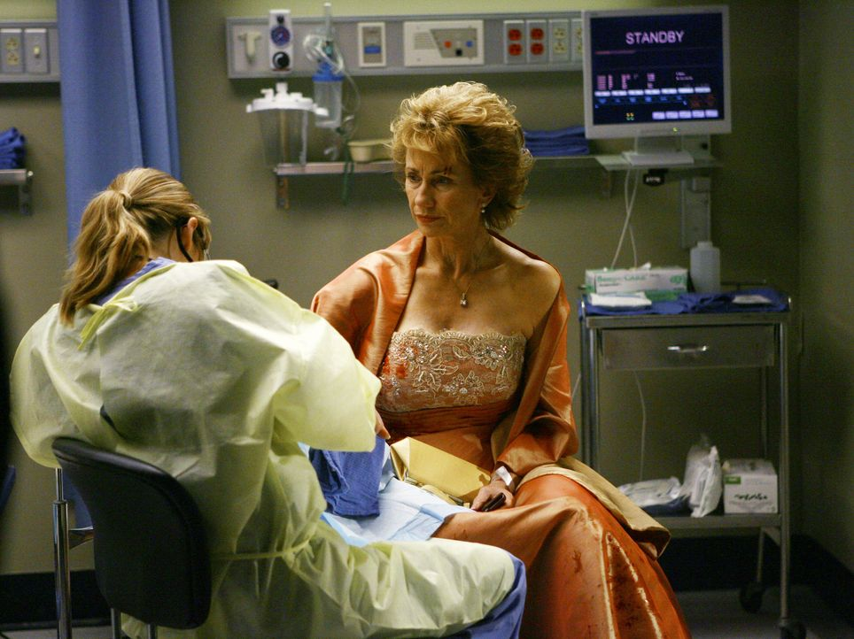 Nach alldem, was gesehen ist, weigert sich Sarahbeth zunächst noch, Michael und Anna (Kathy Baker, l.) zu verzeihen. Izzie dagegen nimmt die Entschu... - Bildquelle: Touchstone Television