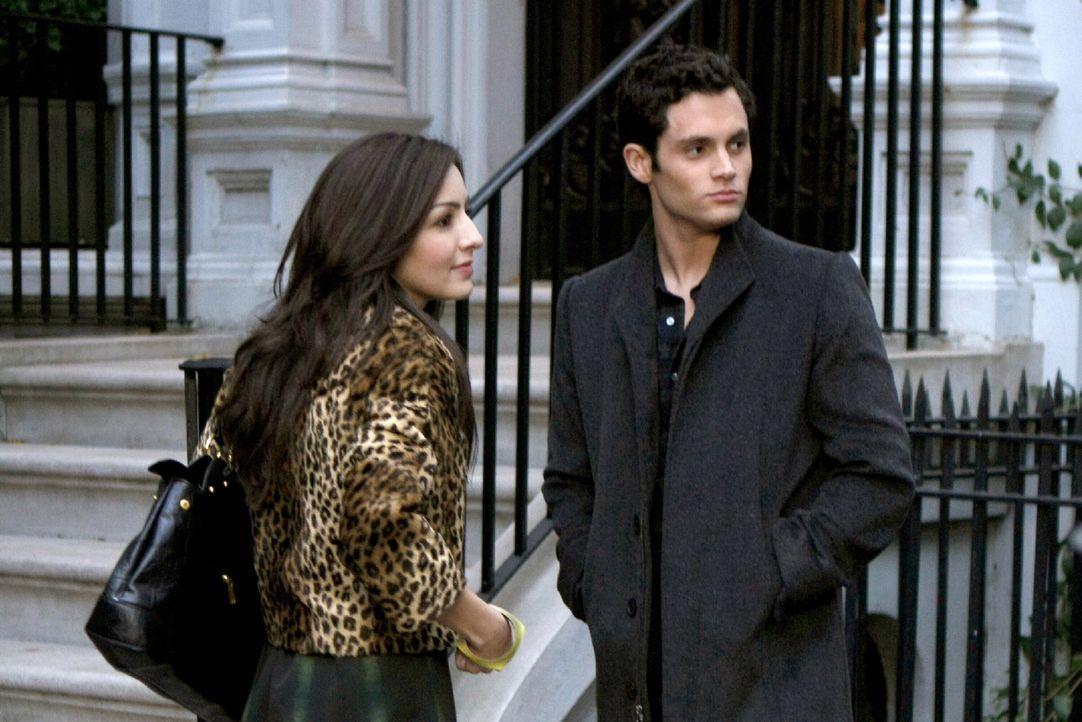 Während Chuck und Blair wetten, dass sie einander das perfekte Date für den anstehenden Snowflake-Ball beschaffen können, wirft Lexi (Natelie Kemp,... - Bildquelle: Warner Brothers
