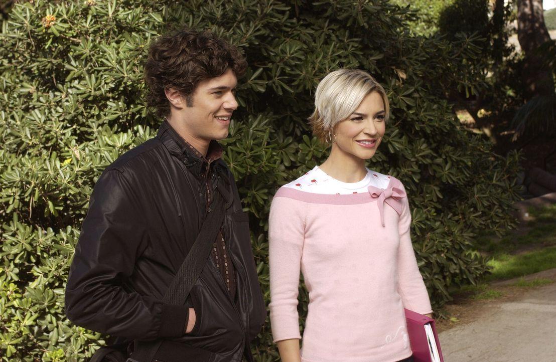 Anna (Samaire Armstrong, r.) ist immer stärker davon genervt, dass Seth (Adam Brody, l.) sich mehr um Summer als um sie kümmert, bis ihr der Krage... - Bildquelle: Warner Bros. Television