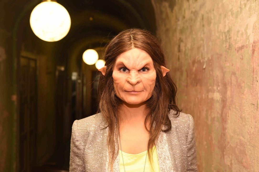 Noch bevor Conny die Männer ohne Maske gesehen hat, muss sie sich für einen entscheiden und hoffen, dass auch ihr Äußeres ihren Vorstellungen entspr... - Bildquelle: Andre Kowalski sixx