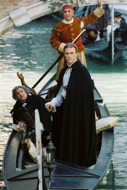 Eines Tages stellt der Doge von Venedig Casanova (Heath Ledger, r.) ein Ultimatum: Entweder sucht er sich umgehend eine Ehefrau, oder er muss Venedi... - Bildquelle: Buena Vista Pictures. All rights reserved