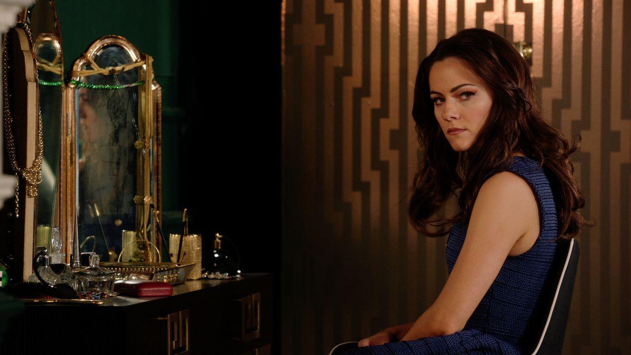 Eleanor (Alexandra Park) leidet sehr unter der Trennung von Jasper, während sich Liam auf den Kampf gegen Robert vorbereitet ... - Bildquelle: 2016 E! Entertainment Television, LLC