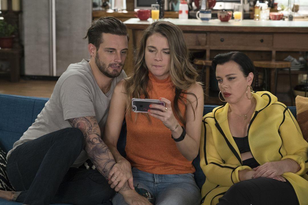 (v.l.n.r.) Josh (Nico Tortorella); Liza (Sutton Foster); Maggie (Debi Mazar) - Bildquelle: Hudson Street Productions Inc 2016