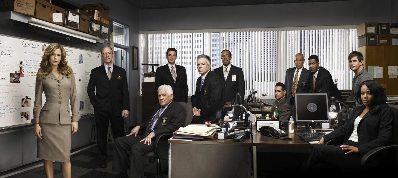 (3. Staffel) - Haben nicht nur beruflich, sondern auch privat einige Kämpfe auszutragen: (v.l.n.r.) Deputy Chief Brenda Johnson (Kyra Sedgwick), Ass... - Bildquelle: Warner Brothers