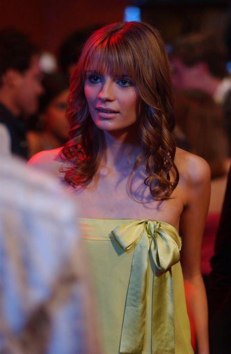 Als Marissa (Mischa Barton) versehentlich mitbekommt, dass Luke und ihre Mutter ein Verhältnis haben, verschwindet sie ohne eine Wort ... - Bildquelle: Warner Bros. Television