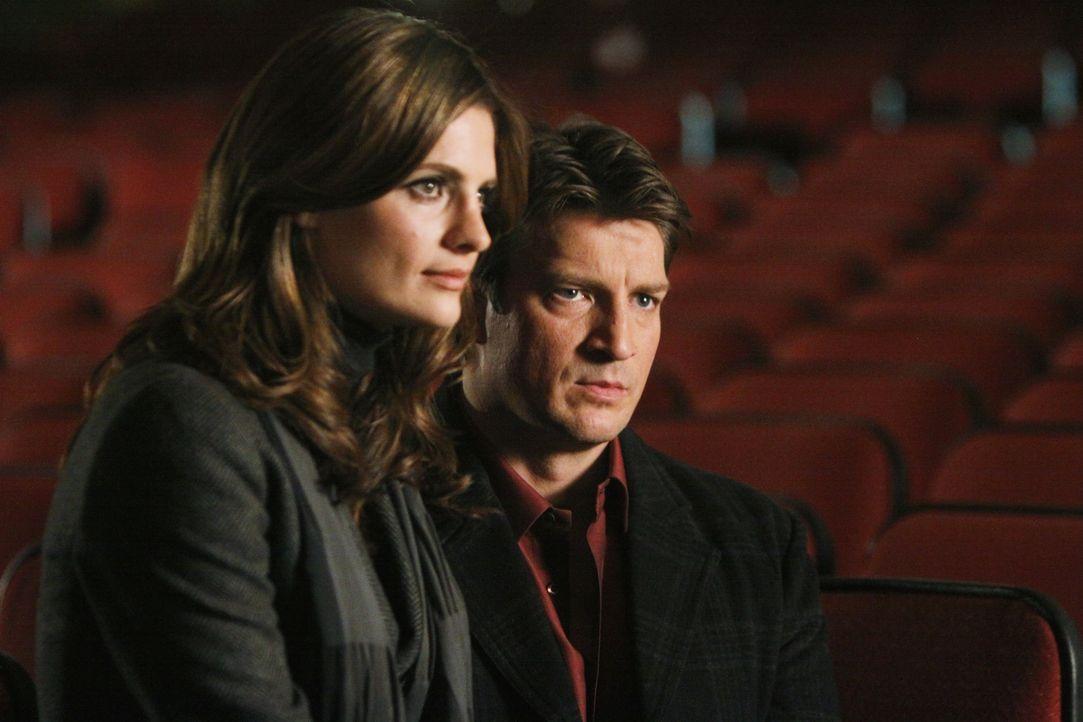 Kommen sie dem Mörder langsam näher? Richard Castle (Nathan Fillion, r.) und Kate Beckett (Stana Katic, l.) - Bildquelle: 2010 American Broadcasting Companies, Inc. All rights reserved.