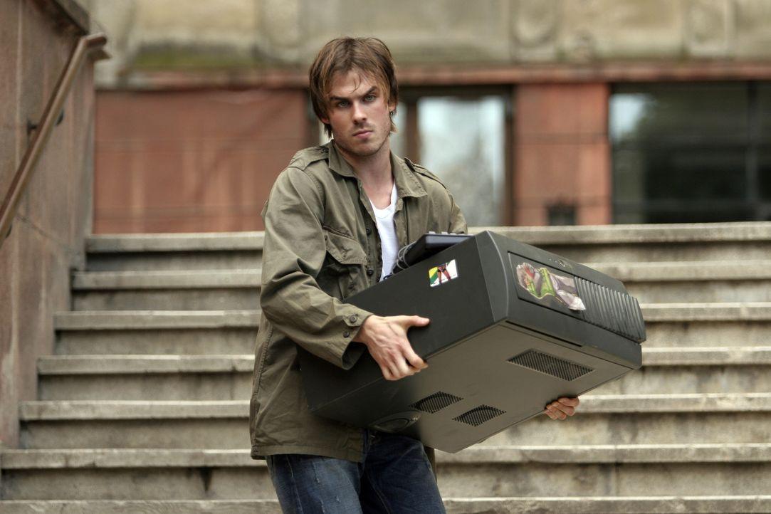 Als Dexter (Ian Somerhalder) Joshs PC kauft, ahnt er nicht, dass er darauf nicht nur rätselhafte E-Mails findet, sondern auch geisterhafte Gestalte... - Bildquelle: The Weinstein Company
