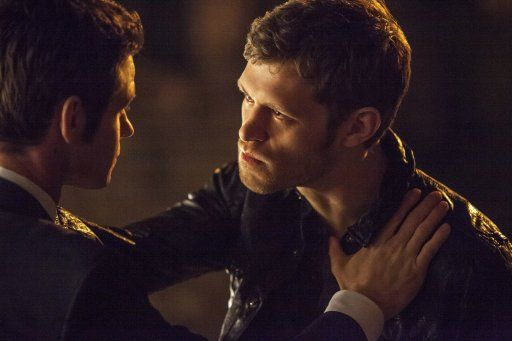 Klaus und sein Bruder Elijah - Bildquelle: Warner Bros. Entertainment Inc.