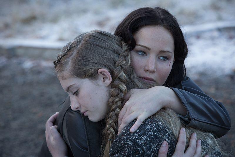 Die Schwestern verabschieden sich - Bildquelle: Studiocanal