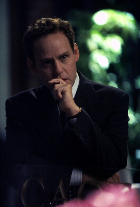 Nachdem John (Peter MacNicol) ein Frauengespräch belauscht, trifft er eine folgenreiche Entscheidung ... - Bildquelle: 1999 Twentieth Century Fox Film Corporation. All rights reserved.