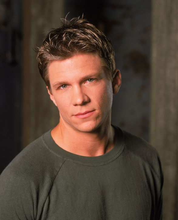 (5. Staffel) - In seinen Kämpfen wirkt Riley (Marc Blucas) immer sehr selbstsicher, doch der Schein trügt häufig ... - Bildquelle: 2000-2001 Twentieth Century Fox Film Corporation. All rights reserved.