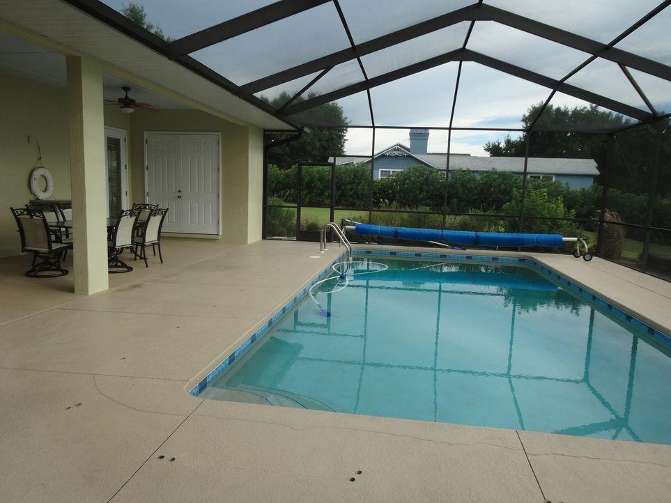 Mit 375.000 $ entspricht das Gator's Getaway genau dem Budget von Mike und Sara und zusätzlich hat es sogar noch einen eigenen Pool. Perfekt für die... - Bildquelle: 2015, HGTV/Scripps Networks, LLC. All Rights Reserved.