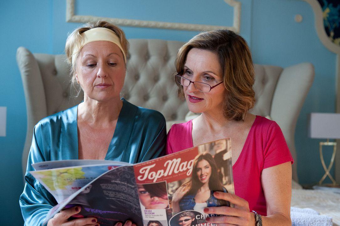 Felicitas (Claudia Lietz, l.) wird von Sylvia (Eva Mannschott, r.) Mut gemacht, dass sie den ungleichen Kampf mit Frau Hofer wird gewinnen können ... - Bildquelle: Oliver Ziebe SAT.1