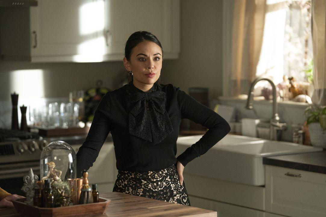 Mona Vanderwaal (Janel Parrish) - Bildquelle: Allyson Riggs 2019 Warner Bros. Entertainment Inc. All Rights Reserved. / Allyson Riggs