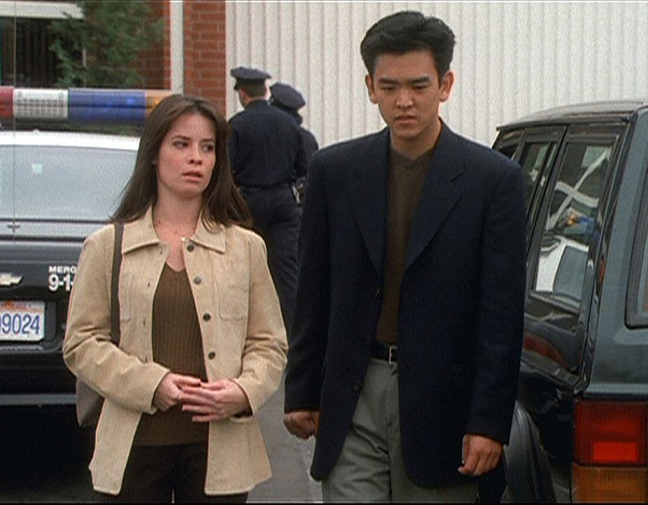 Wenn Piper (Holly Marie Combs) doch nur wüßte, wie sie Mark Choa helfen kann. Er ist ein Geist und weiß, daß seine Leiche bald beerdigt werden m... - Bildquelle: Paramount Pictures