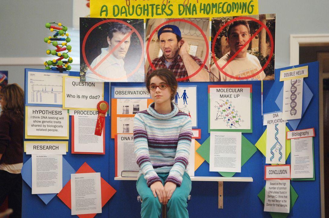 April (Vanessa Marano) nimmt an einem Forschungswettbewerb teil, um auf diesem Weg ihren leiblichen Vater zu finden. Auch Luke gibt ihr eine Haarpro... - Bildquelle: Copyright Warner Brother International Television