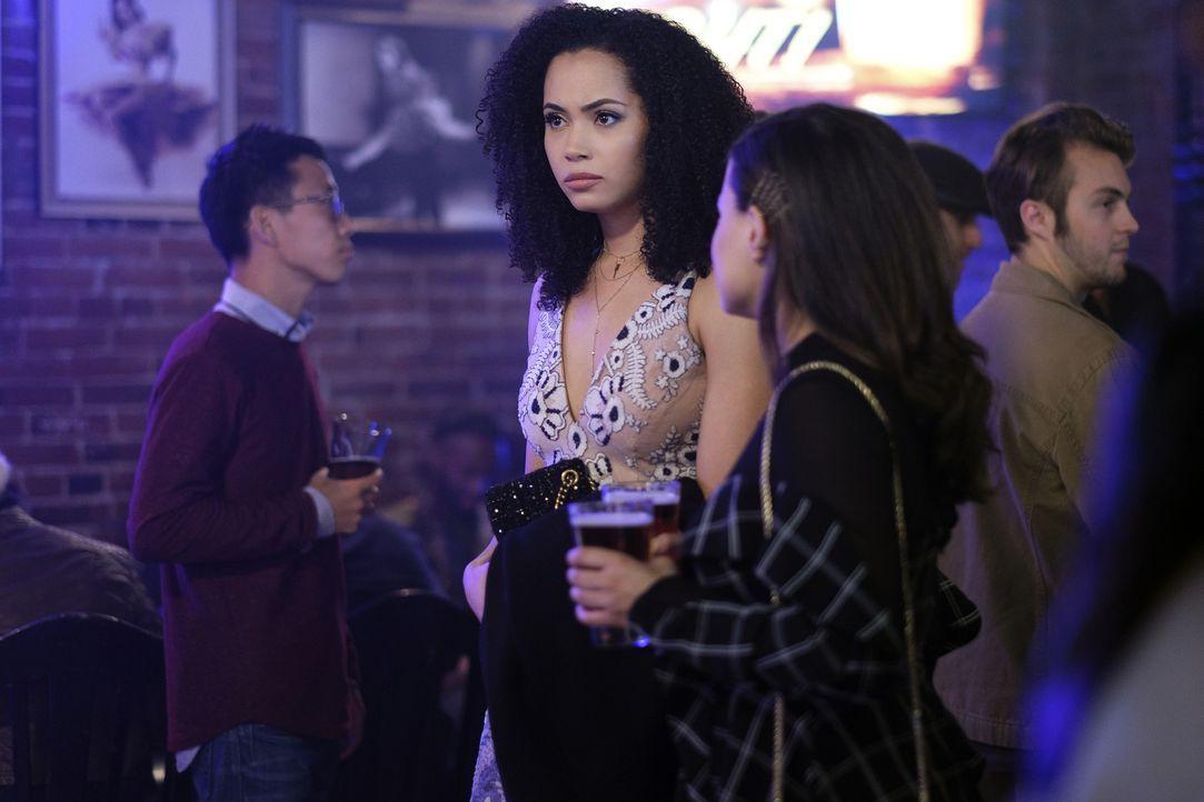 Macy Vaughn (Madeleine Mantock, l.); Maggie Vera (Sarah Jeffery, r.) - Bildquelle: Robert Falconer 2018 The CW Network, LLC. All Rights Reserved.