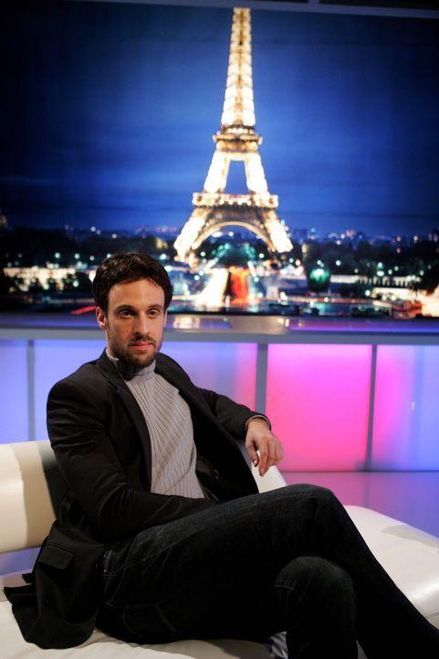 Taylors Exmann Henri-Michel (Henri Lubatti) löst bei Ryan Unbehagen aus ... - Bildquelle: Warner Bros. Television