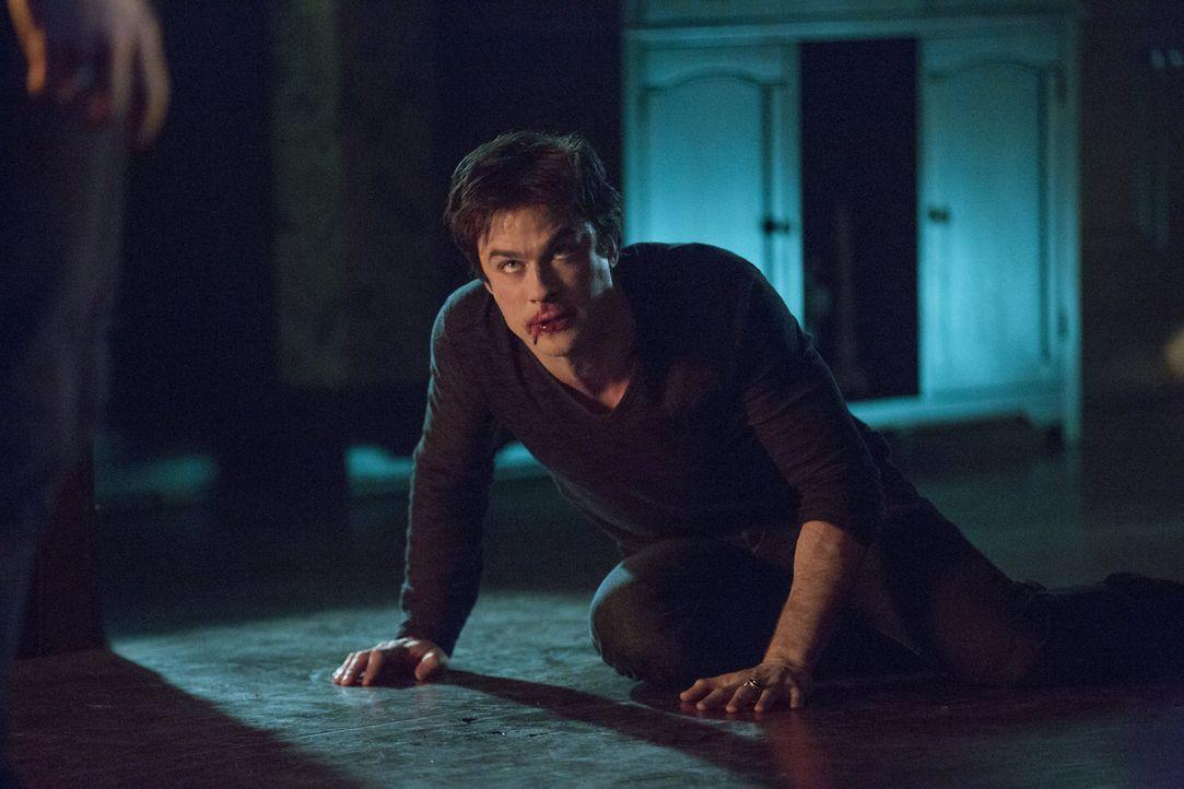 Damon hat sich nicht unter Kontrolle - Bildquelle: Warner Bros. Entertainment Inc.