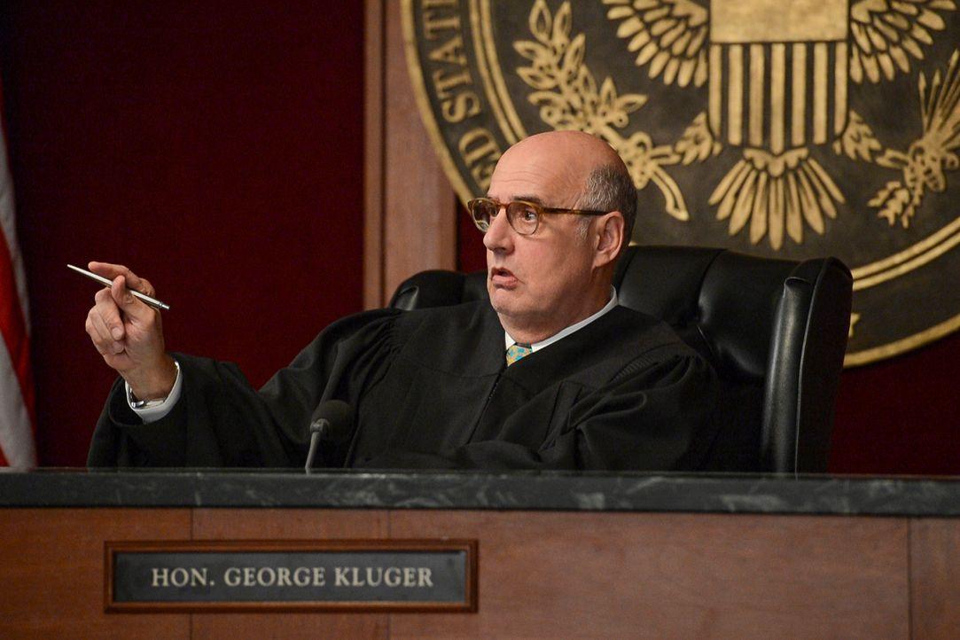 Wie wird Richter Kluger (Jeffrey Tambor) in einem heiklen Fall mit der NSA entscheiden? - Bildquelle: David Giesbrecht 2013 CBS Broadcasting Inc. All Rights Reserved.