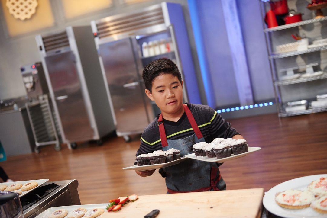 Wie werden Jacksons Cupcakes bei der Jury ankommen? - Bildquelle: Eddy Chen 2014, Television Food Network, G.P. All Rights Reserved