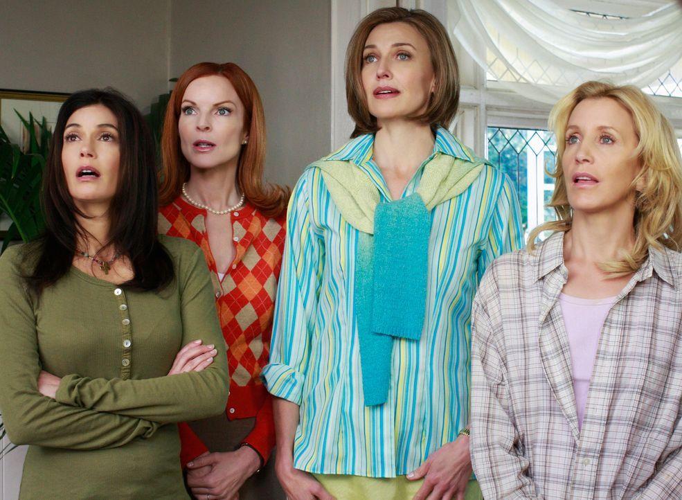 Rückblick in vergangene Zeiten: Susan (Teri Hatcher, l.), Bree (Marcia Cross, 2.v.l.), Mary Alice (Brenda Strong, 2.v.r.) und Lynette (Felicity Huff... - Bildquelle: ABC Studios