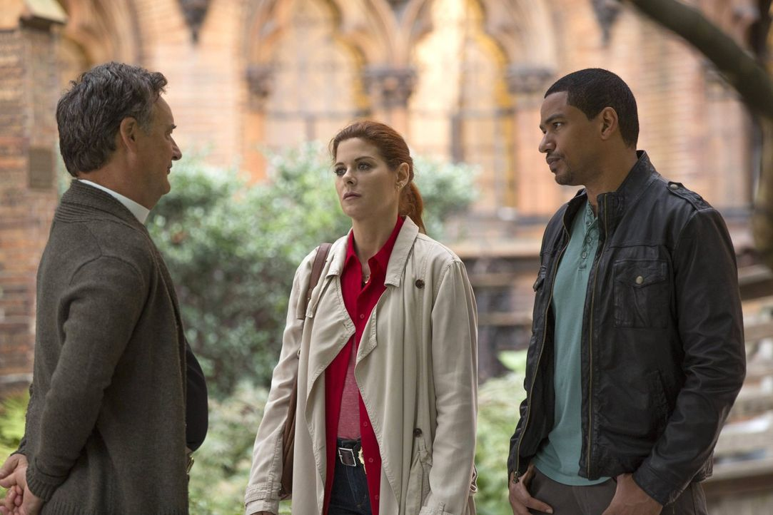 Um einen neuen Mordfall aufzudecken, gehen Laura (Debra Messing, M.) und Billy (Laz Alonso, r.) allen Hinweisen nach. Doch hat Pastor Bob (John Roth... - Bildquelle: Warner Bros. Entertainment, Inc.