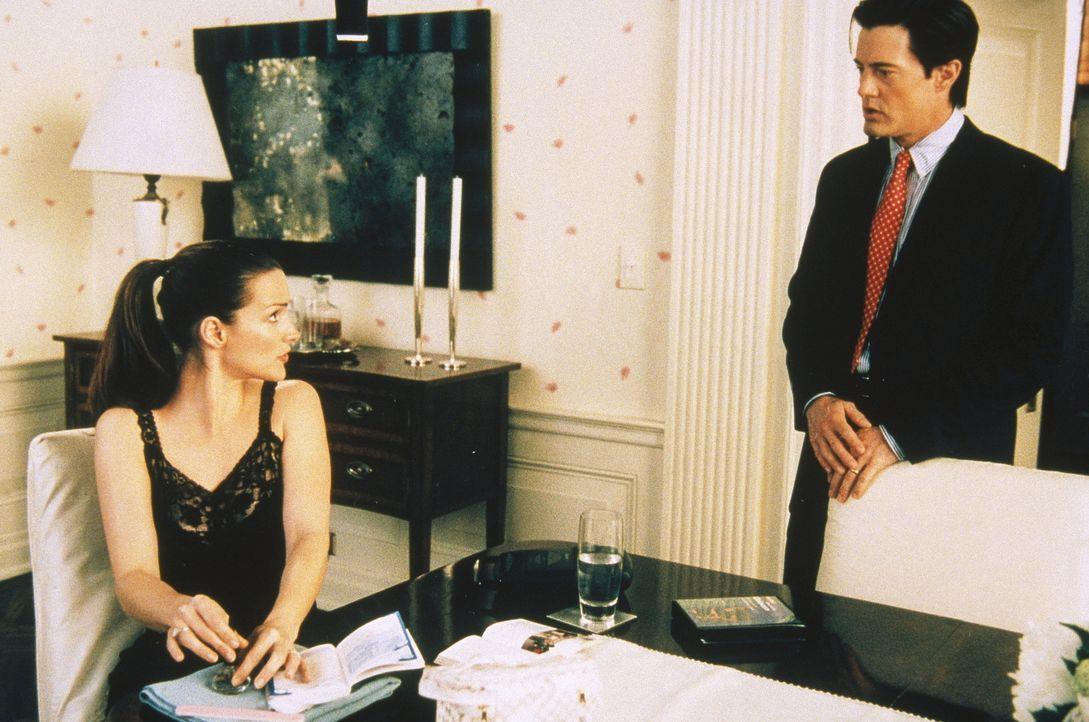 Trey (Kyle MacLachlan, r.) fällt es zunehmend schwer, mit Charlottes (Kristin Davis, l.) Stimmungsschwankungen Schritt zu halten. - Bildquelle: Paramount Pictures