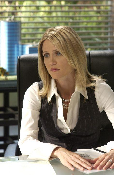 Während Julie und Kirsten (Kelly Rowan) versuchen, das Beste aus ihrer neuen Zusammenarbeit herauszuholen, versucht Sandy herauszufinden, was Caleb... - Bildquelle: Warner Bros. Television