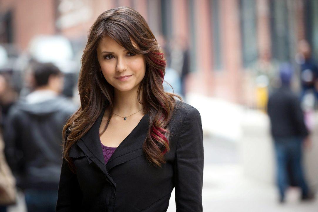 Elena freut sich - Bildquelle: Warner Bros. Entertainment Inc.