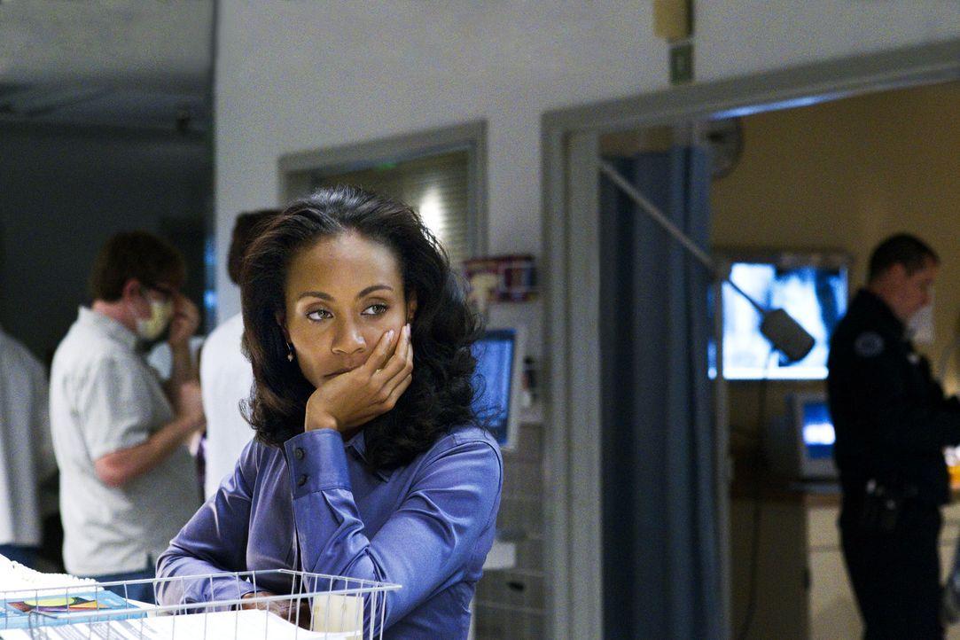 Christina Hawthorne (Jada Pinkett Smith) glaubt, dass Marcus ihre Tochter geschlagen hat ... - Bildquelle: Sony 2009 CPT Holdings, Inc. All Rights Reserved
