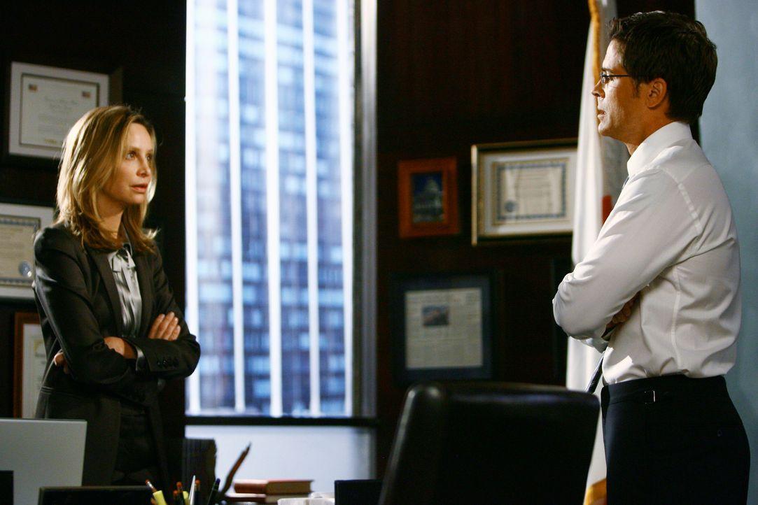 Blüht in ihrem Job als Kommunikationsleiterin von Robert (Rob Lowe, r.) auf: Kitty (Calista Flockhart, l.) ... - Bildquelle: 2008 ABC INC.