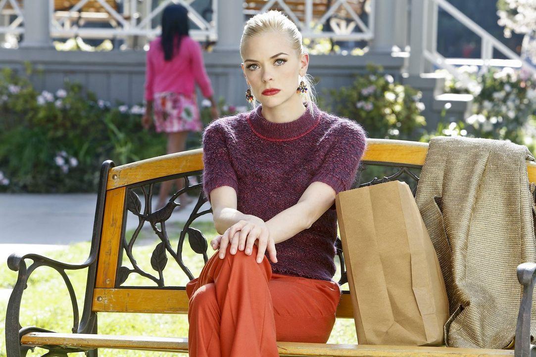 Lemon (Jaime King) ist verzweifelt: Egal, was sie tut, nichts scheint ihr zu gelingen ... - Bildquelle: Warner Brothers