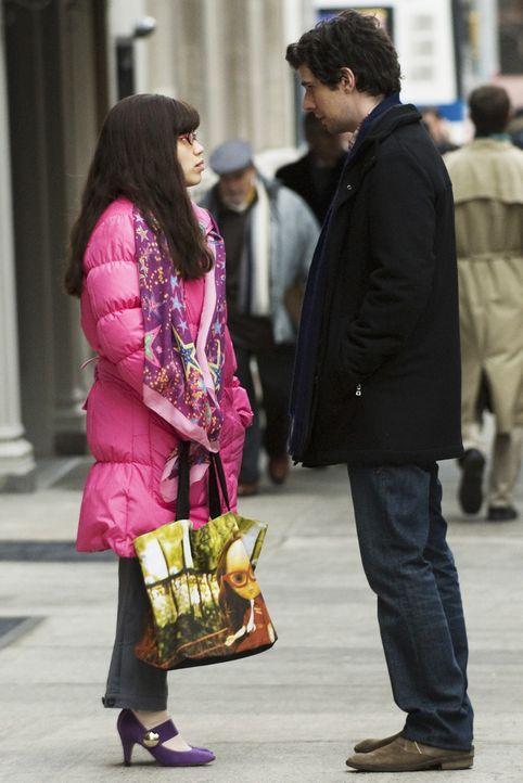 """Um seine Familie besser kennen zu lernen, lädt Matt (Daniel Eric Gold, r.) Betty (America Ferrera, l.) zu einer Party ein, deren Thema """"Folter"""" ist.... - Bildquelle: 2008   ABC Studios"""