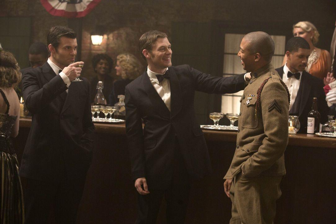 Das Herrscher-Trio - Bildquelle: Warner Bros. Entertainment Inc.
