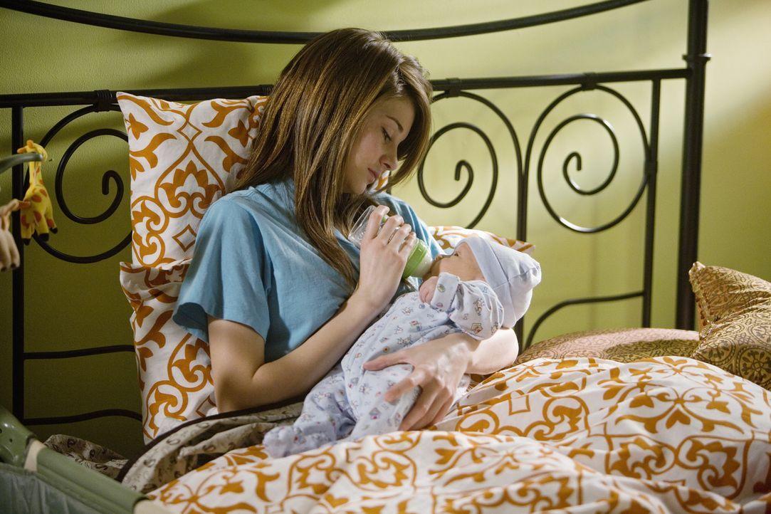 Endlich zuhause! Amy (Shailene Woodley) und ihr kleiner Sohn, dem sie den Namen John gegeben hat. - Bildquelle: 2008 DISNEY ENTERPRISES, INC. All rights reserved. NO ARCHIVING. NO RESALE.