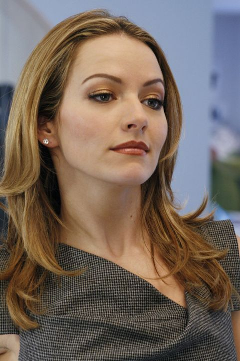 Versucht gemeinsam mit Wilhelmina, Daniel zu blamieren: Amanda (Becki Newton) ... - Bildquelle: Buena Vista International Television