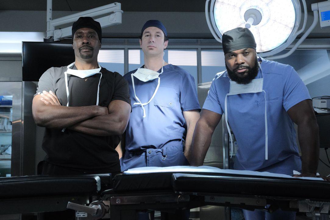 (v.l.n.r.) Dr. Barrett Cain (Morris Chestnut); Dr. Albert Nolan (Michael Hogan); AJ Austin (Malcolm-Jamal Warner) - Bildquelle: Guy D'Alema 2019-2020 Twentieth Century Fox Film Corporation.  All rights reserved. / Guy D'Alema