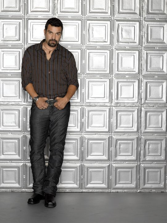 (3. Staffel) - Harte Schale, weicher Kern: Carlos Solis (Ricardo Antonio Chavira) ... - Bildquelle: 2005 Touchstone Television  All Rights Reserved